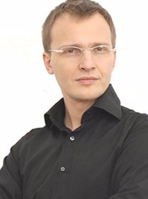 Dr.Christophe Desouches